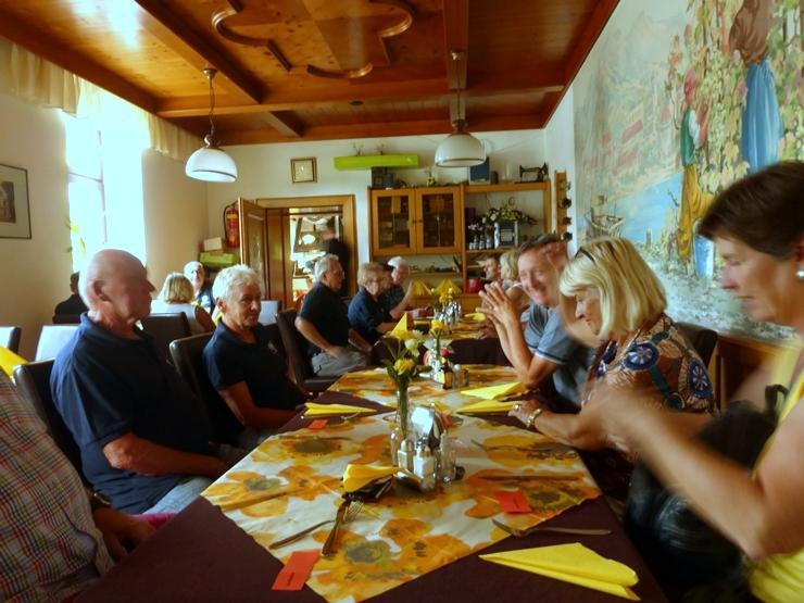Mittagessen in Hönigsberg